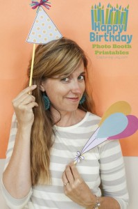 Happy-Birthday-Photo-booth-free-printables-at-Capturing-Joy.com_-682x1024